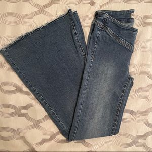 FREE PEOPLE Low Rise Flare Jeans 25